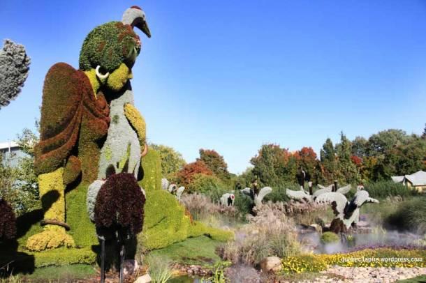 La femme et l'oie, une des plus belles et imposantes créations des mosaicultures