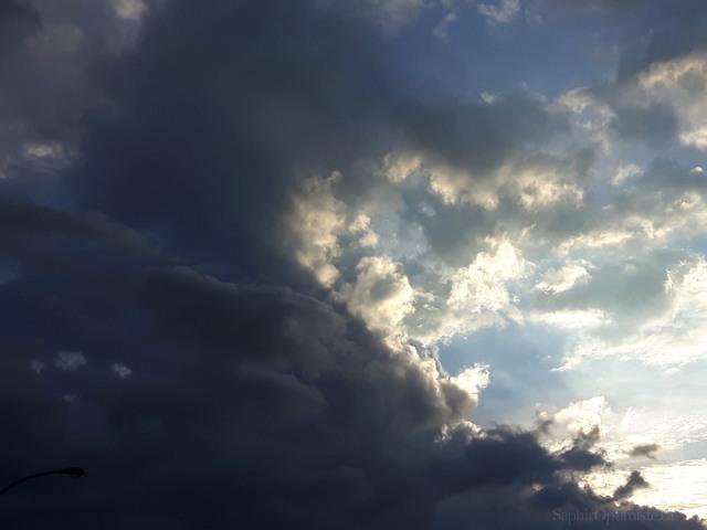 nuages, bleu, gris, lumière, obscurité, Franck Billad, Saphir Optimiste